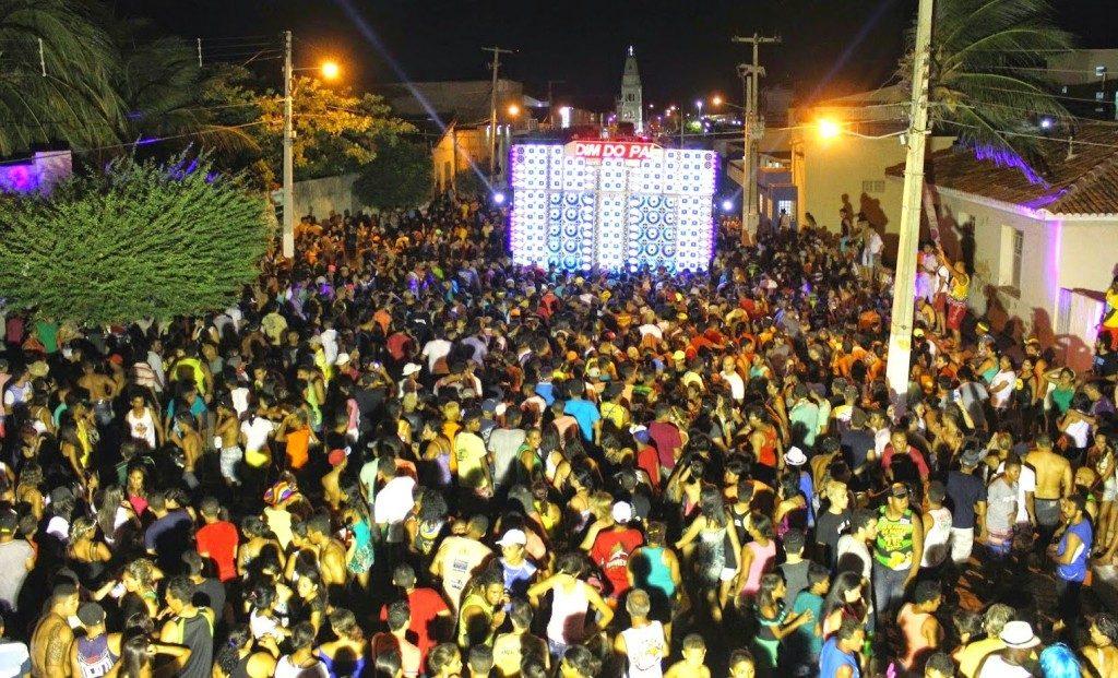 Alvo de críticas, festa de paredão pode ser regulamentada em Salvador