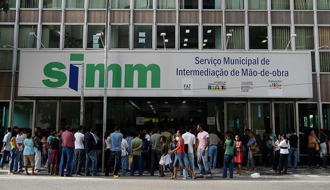 Photo of SIMM oferta novas vagas nesta segunda-feira (25)