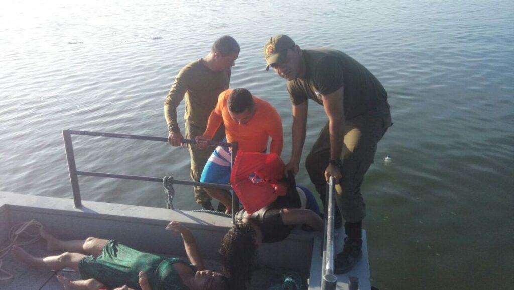 Photo of Embarcação afunda em Mar Grande; Três corpos foram confirmados