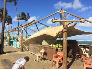 Barracas de Coco têm cobertura derrubada por vento em Amaralina União Noticias