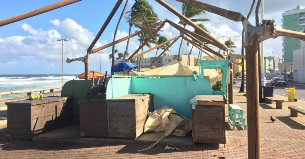Photo of Barracas de Coco têm cobertura derrubada por vento em Amaralina