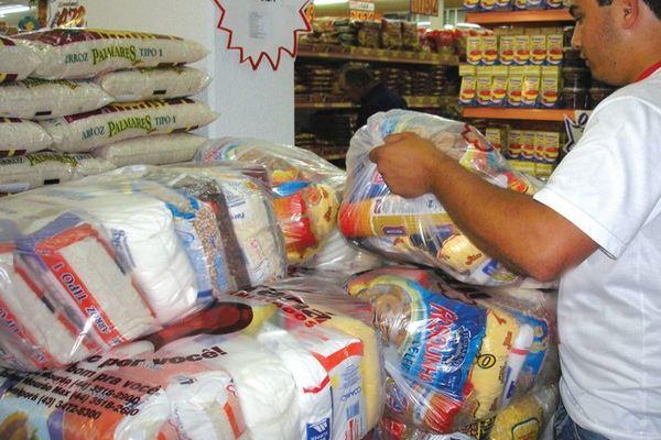 Cesta básica em Salvador está mais barata segundo o DIESE