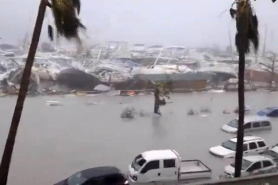 Photo of Furacão Irma causa devastação no Caribe e provoca destruição.