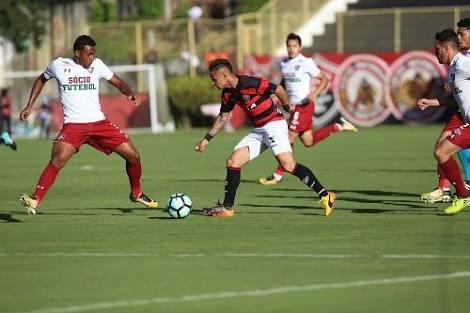 Photo of Vitória empata aos 49 dentro de casa com o Fluminense