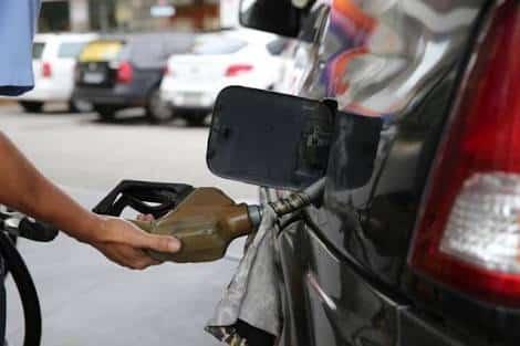 Photo of Petrobras anuncia pequena redução nos preços da gasolina e diesel