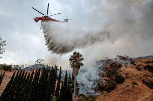 Maior incêndio da história consome 21 mil m² na cidade de Los Angeles – Califórnia