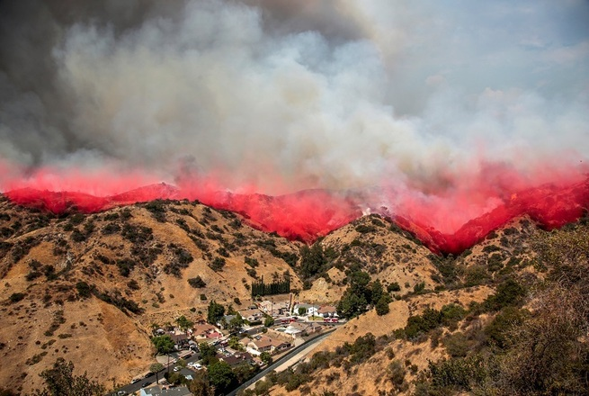 The La Tuna Canyon fire over Burbank, California