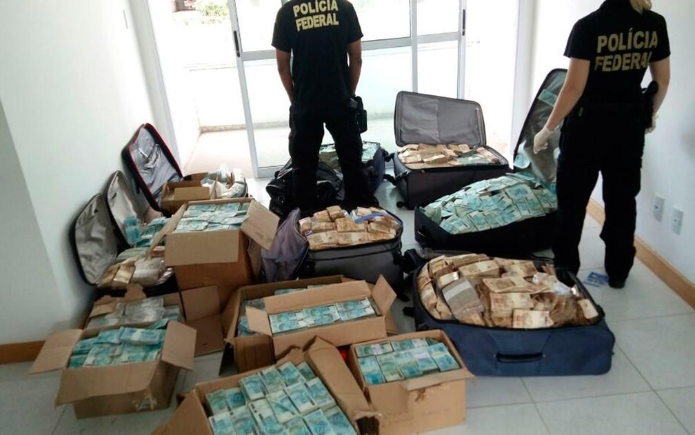 Photo of PF acha suposto deposito de dinheiro do ex-ministro Geddel