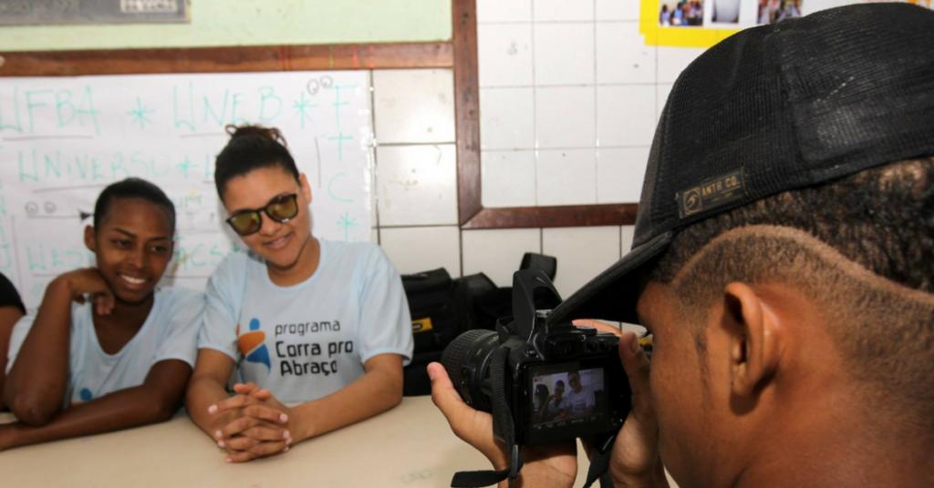 Photo of Jovens da comunidade da Santa Cruz lança vídeodocumentário produzido por eles mesmos