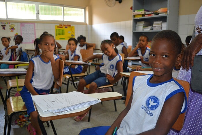 Photo of Alunos das escolas municipais da Santa Cruz e região podem terminar ano letivo sem fardamento