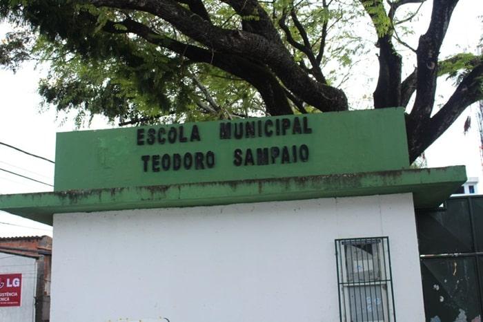 Photo of Alunos de escolas municipais no bairro da Santa Cruz ficam sem aulas.