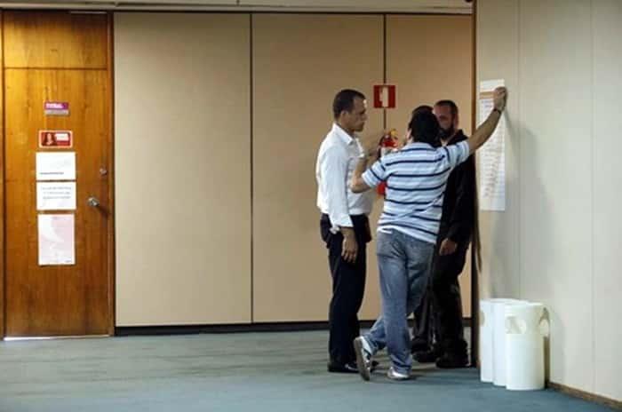 Photo of Após 5 horas de buscas, PF deixa gabinete de deputado na Câmara