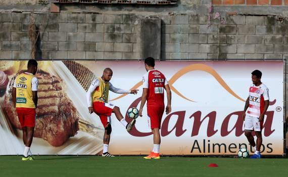 Elenco do Bahia volta aos trabalhos após empate dentro de casa
