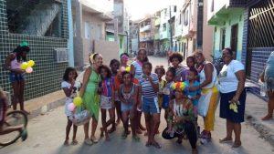 Grupo de Voluntários da União da Santa Cruz levou alegria e muita brincadeira para crianças em Santa Cruz