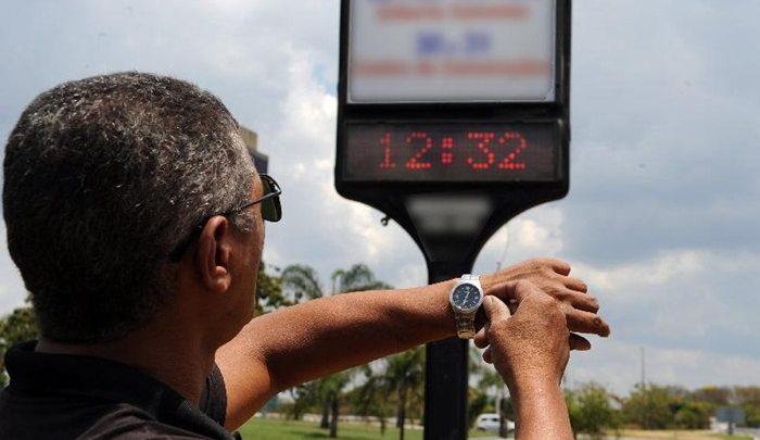 Horário de verão começa neste fim de semana; moradores de 10 estados e DF devem adiantar relógio em 1 hora