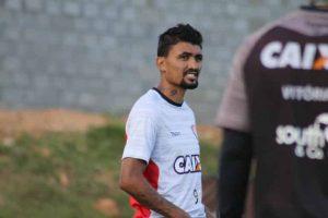 Jogadores do Vitória atletas iniciam a preparação para o desafio contra o Santos na segunda-feira (16)2