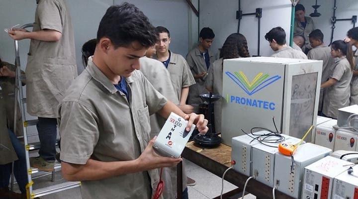Photo of Pronatec tem 300 vagas para curso técnico gratuito com direito a bolsa e material didático na BA