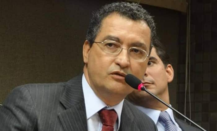 Pelo Twitter, Rui lamenta morte do ex-prefeito de Ibirataia