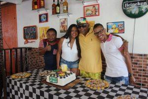 Presidente da Auto Escola São Salvador comemora seu aniversário na comunidade