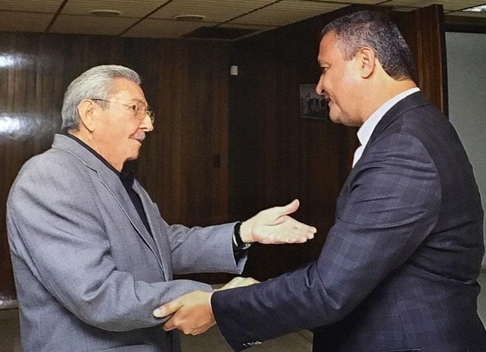 Rui-se-encontra-com-Raul-Castro-em-Cuba.jpeg