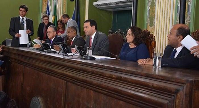 Photo of Sem matéria do Executivo, Câmara aprova 11 projetos de vereadores