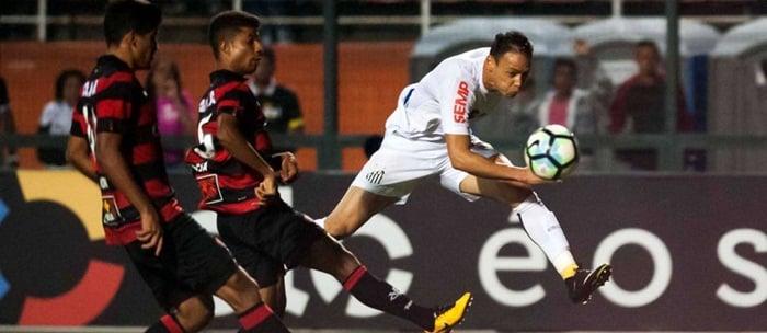 Vitória fica duas vezes na frente do placar mas cede empate jogando com o Santos no Pacaembu.