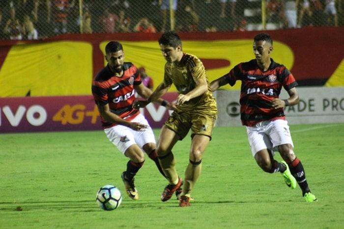 Photo of Vitória perde para o representante pernambucano, por 2 a 1, no Barradão