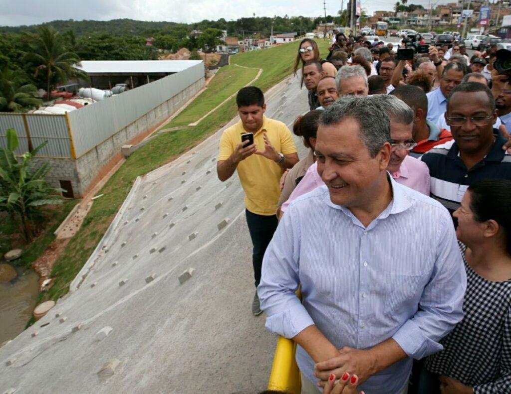 Photo of Contenção de encosta leva segurança para 2 mil pessoas em Paripe