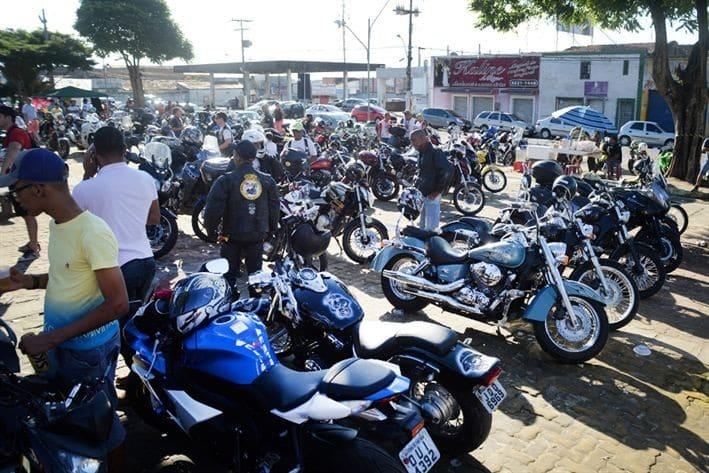 Detran promove ações educativas em encontro nacional de motos no feriadão