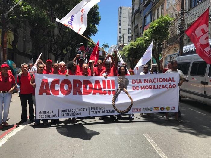 Hoje é o Dia Nacional de Mobilização contra a perda de direitos
