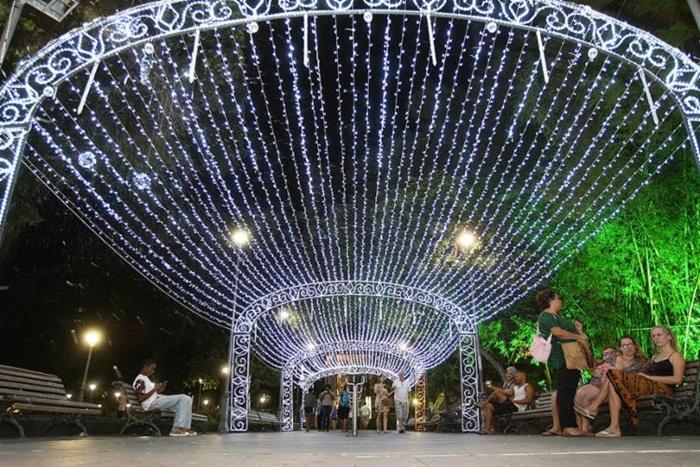 Iluminação de Natal de Salvador será ligada nesta quinta (30)