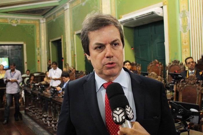 """Photo of Ligação Direta da Política: """"Se teria alguém que tem denúncias de corrupção são os aliados do prefeito"""", afirma vereador José Trindade"""