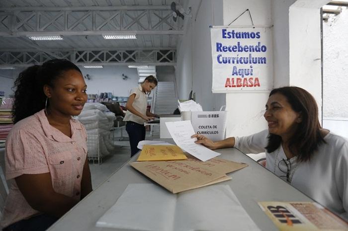 Lojas da Baixa dos Sapateiros oferecem 1,5 mil vagas temporárias