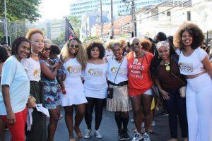 Marcha do Empoderamento Crespo reúne multidão na Avenida Sete