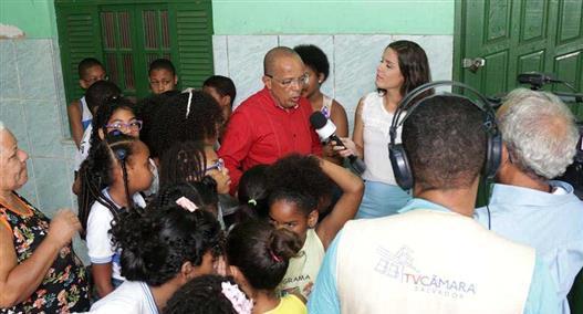 """Projeto """"Ouvidoria no Bairro"""" atende moradores da Vila Ruy Barbosa"""