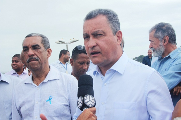Rui Costa entrega viaduto de Stella Mares em Salvador