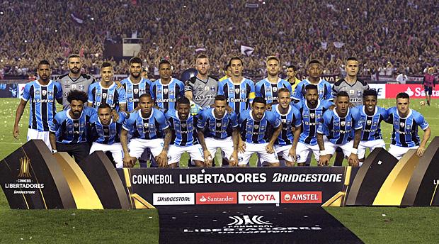 Photo of Tricolor vence o Lanús por 2 a 1, com gols de Luan e Fernandinho