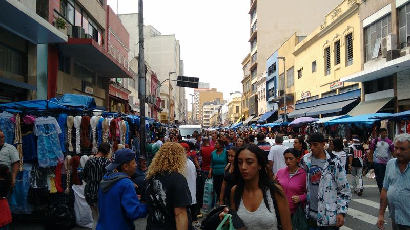 Photo of Mais de 60% dos brasileiros deixam compras de Natal para a última hora, aponta enquete