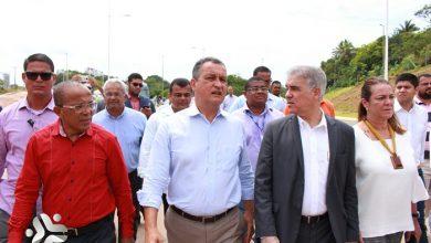 Rui realiza visita técnica às obras da Linha Azul e inaugura a praça Vila Nova de Pituaçu