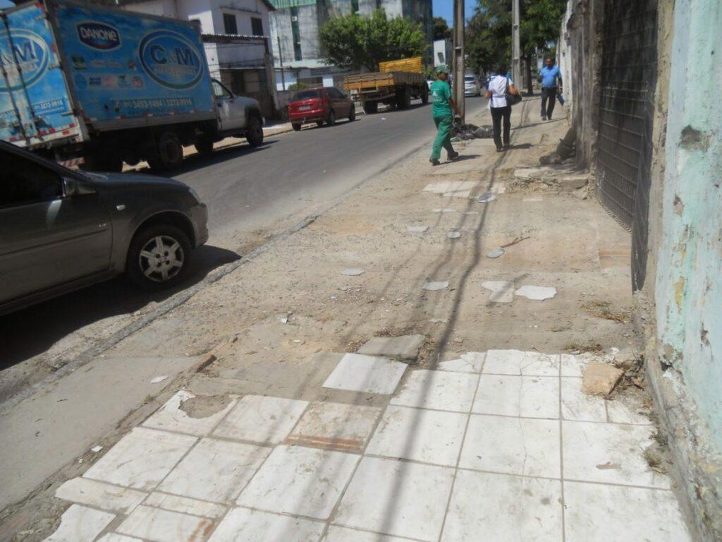 Deficientes sofrem com falta de acessibilidade em Salvador3