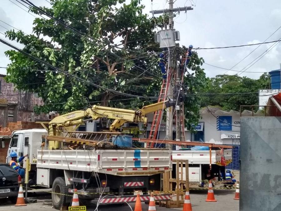 Photo of Coelba realiza melhoria na rede elétrica do bairro da Santa Cruz