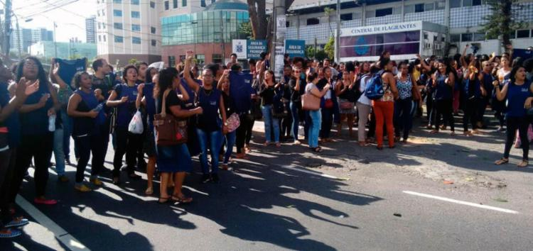Photo of Funcionários de empresa de call center do INSS protestam na região do Iguatemi