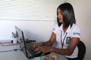 Programa Primeiro Emprego coloca 4.370 jovens no mercado de trabalho em um ano