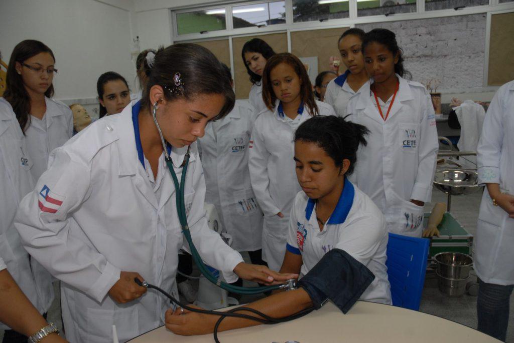 Secretaria da Educação oferta cursos técnicos de nível médio
