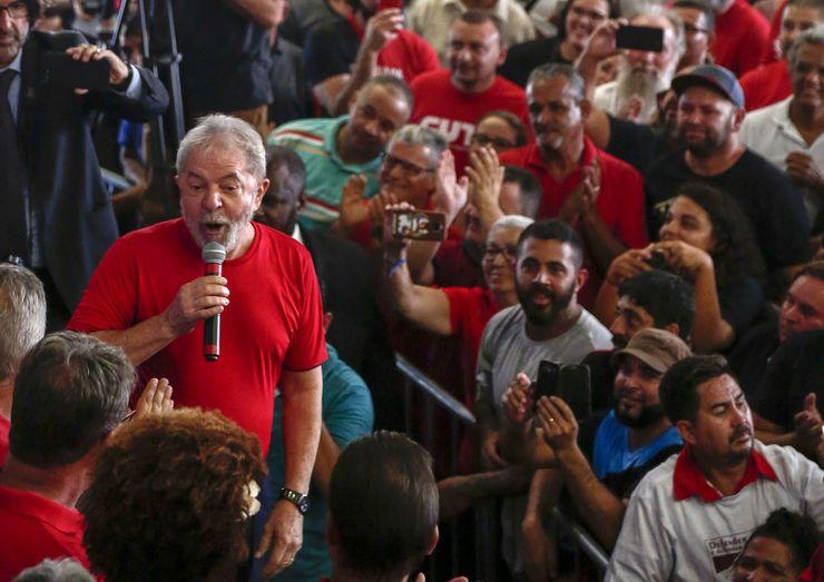 """""""Tenho certeza absoluta que não cometi nenhum crime', afirma Lula"""