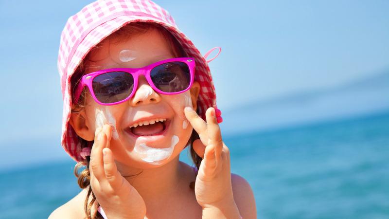 Verão sol, calor e maior risco para doenças oculares, inclusive nas crianças