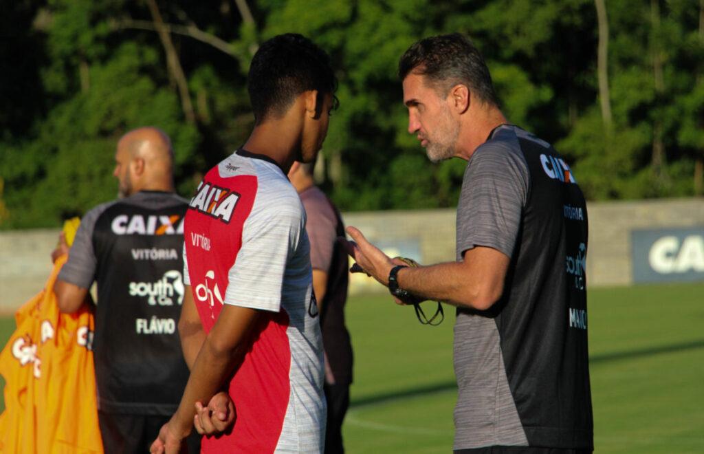 Vitoria segue preparação para a partida contra o Globo-RN