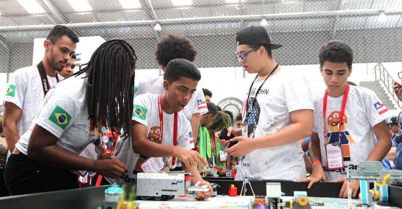 Estudantes participam de Festival de RobóticaFoto: Paula Fróes/FOVBA