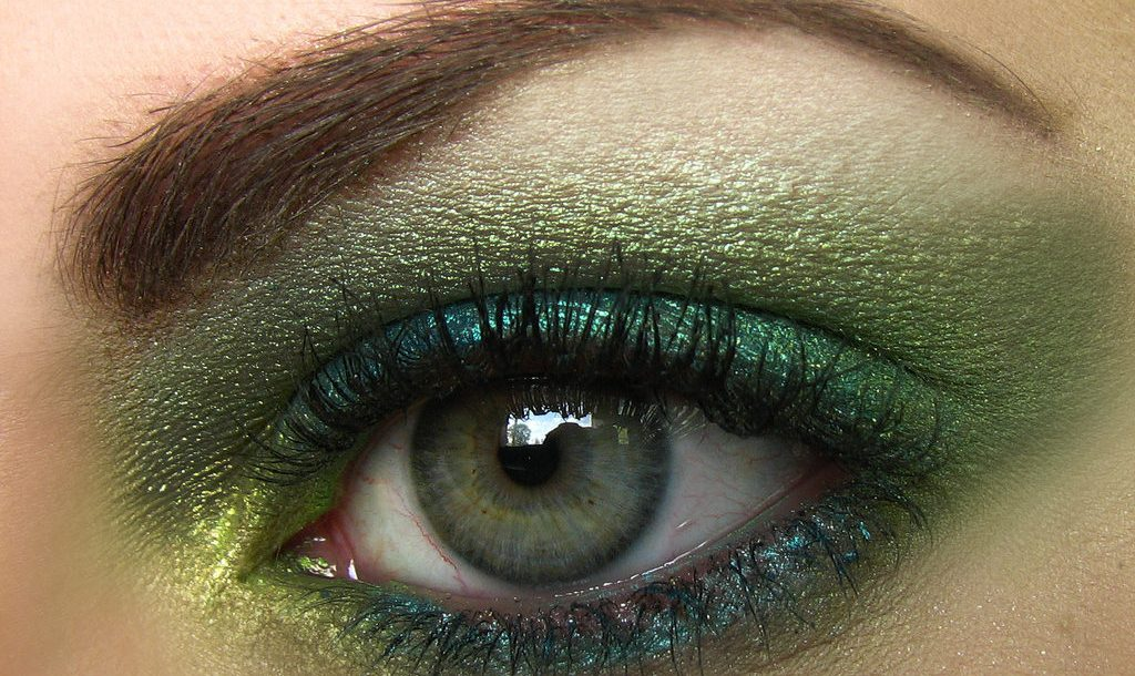 Cuidado com os olhos oftalmologista alerta para os problemas de vista mais comuns no carnaval