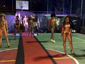 Desfile de moda reúne grandes marcas de Moda Black no bairro da Santa Cruz